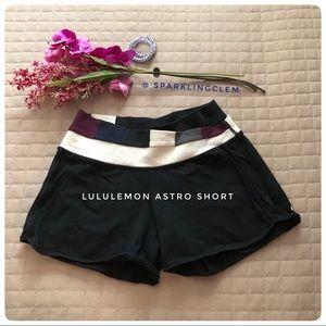 Lululemon Luon Shorts w. Hidden Pocket + Waistband